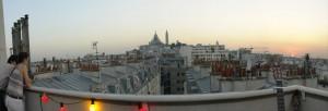 Terrasse avec vue sur les toits de Paris