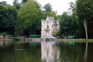 Le Château de la Reine Blanche, utilisé pour les artisans travaillant le long de la Bièvre.